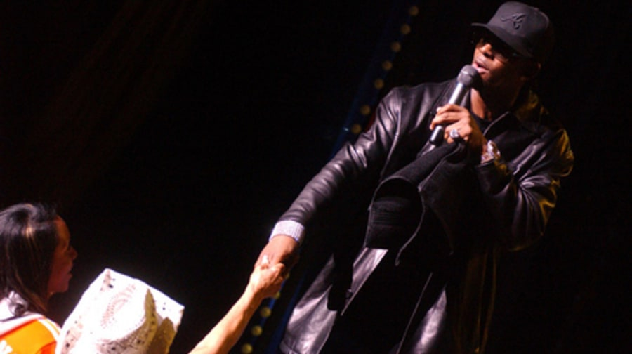 R. Kelly Hits New York's Radio City