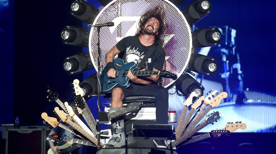How Dave Grohl Conquered 2015 With a Broken Leg