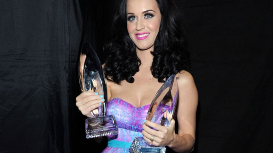 Photos: 2011 People's Choice Awards, With Katy Perry, Kid Rock, Taylor Swift and More