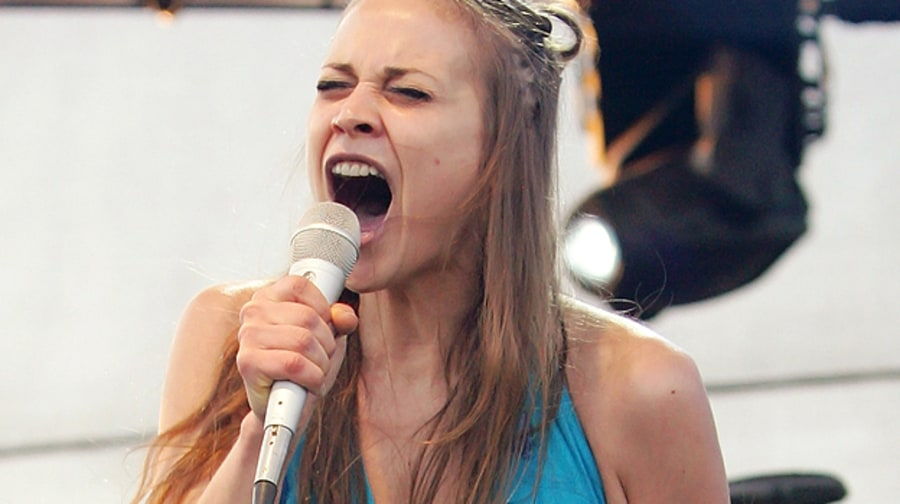Fiona Apple's Bad, Bad Girl Moments