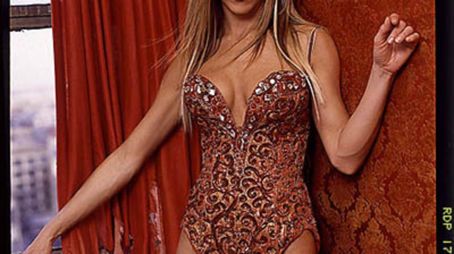 Jennifer Aniston24