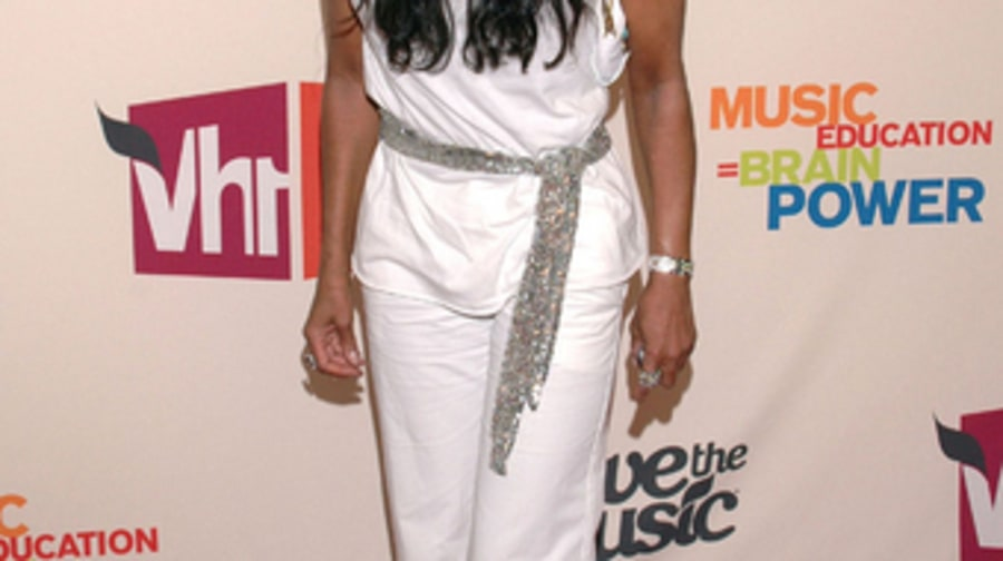 Natalie Cole 2 - VH1 Save The Music 4/11/05 large