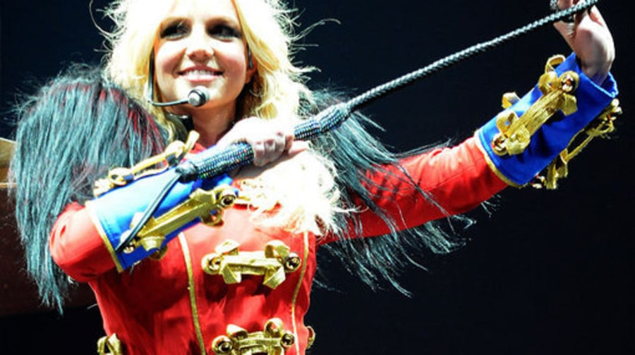 Britney Circus Opener: cracking whip