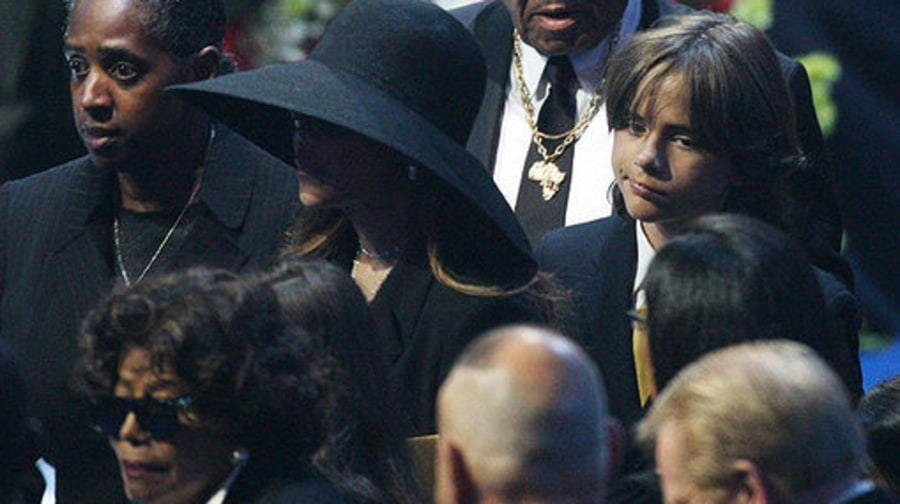 Michael Jackson Memorial: Family and prince michael