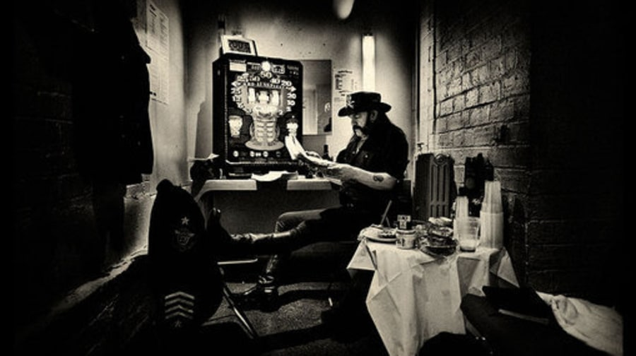 Motörhead: Lemmy and fruit machine backstage Glasgow