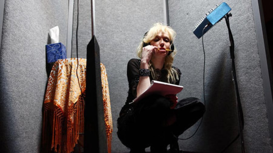 Courtney Love In the Studio: FILE 11: Courtney pencil in mouth