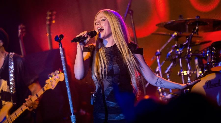 The Avril Lavigne Death Hoax That Won't Die