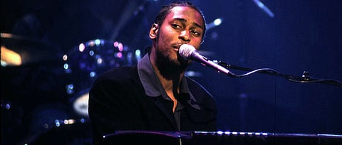 Hear Three Rare Remixes Off D'Angelo's 'Brown Sugar' Reissue