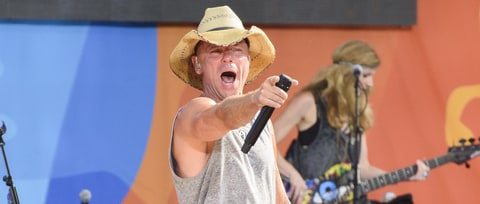 Kenny Chesney to Receive CMA Pinnacle Award