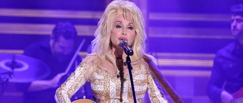 Dolly Parton to Play Prostitute in New Christmas Movie