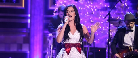 See Kacey Musgraves' Charming 'Present Without a Bow' on 'Fallon'