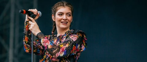 On the Charts: Lorde Lands First Number One Album With 'Melodrama'