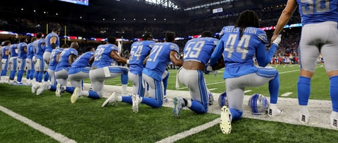 Watch Detroit Lions Anthem Singer Take Knee During Performance