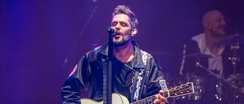 Thomas Rhett to Perform at Dallas Cowboys Thanksgiving Day Game