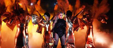 How Beyonce Demolished the 2016 Video Music Awards: Middle Fingers Up