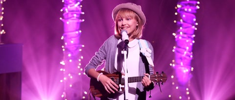 Watch Grace VanderWaal on Almost Meeting Katy Perry, Finishing 'Stranger Things'