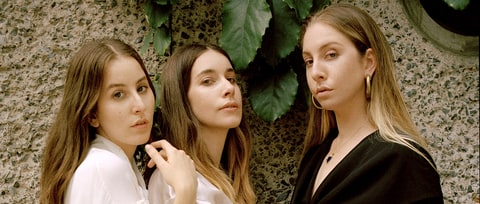 Review: Haim Deepen Ties to Soul Music and Eighties Soft-Rock on Long-Awaited Second LP