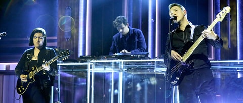 Watch the xx Perform Hypnotic New Song 'Lips' on 'Fallon'
