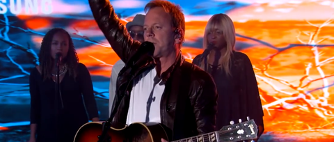 See Kiefer Sutherland's Bluesy 'Can't Stay Away' on 'Kimmel'