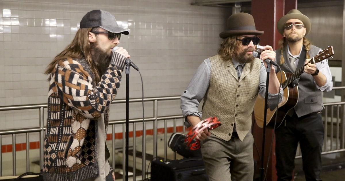 Watch Disguised Maroon 5 Jimmy Fallon Busk In New York
