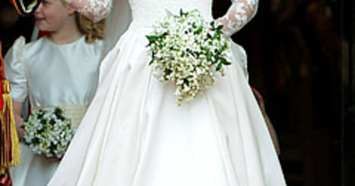 Kate middleton thanks her royal wedding dressmakers in for Knock off kate middleton wedding dress