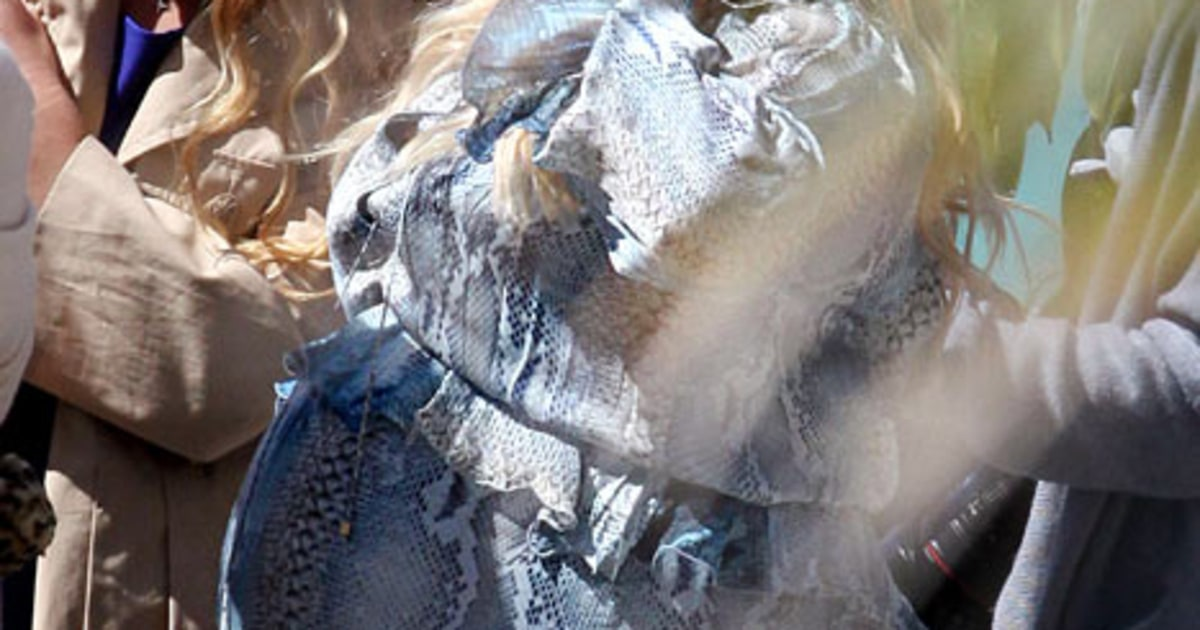 Super Pregnant Jessica Simpson Wears Blue Snakeskin Dress