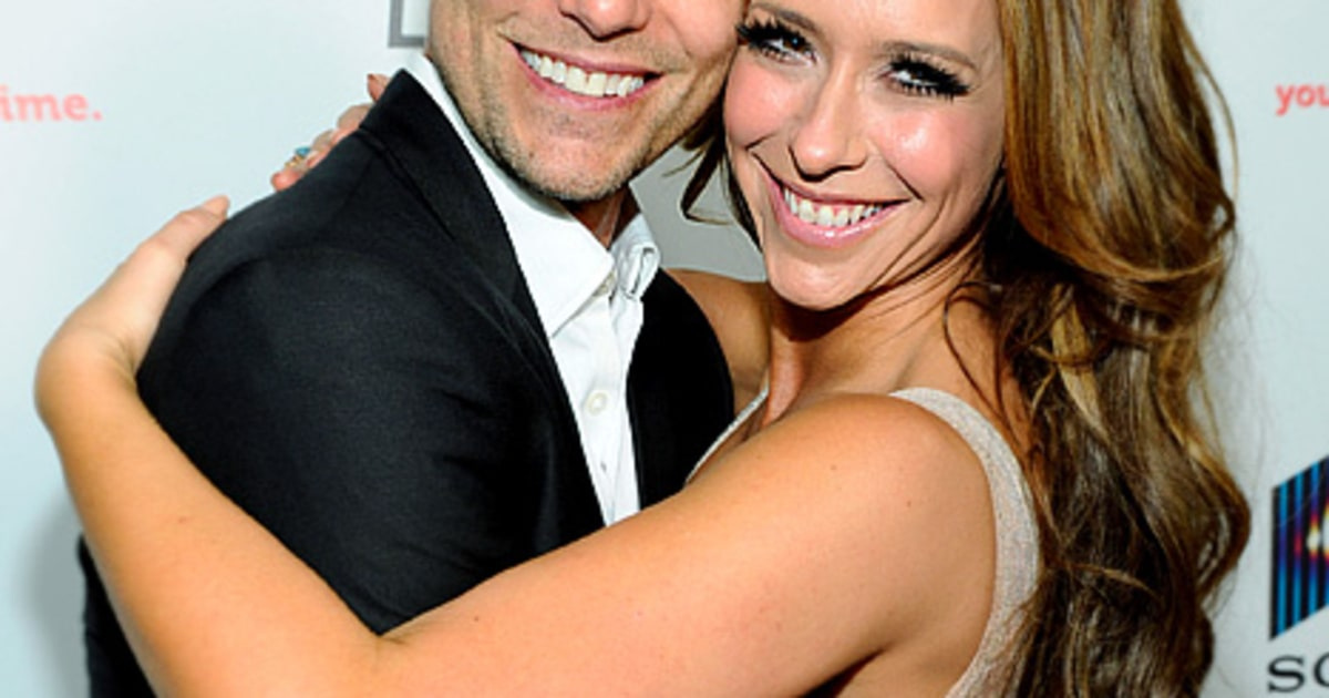 Jennifer Love Hewitt Flirts With Costar Colin Egglesfield Us Weekly