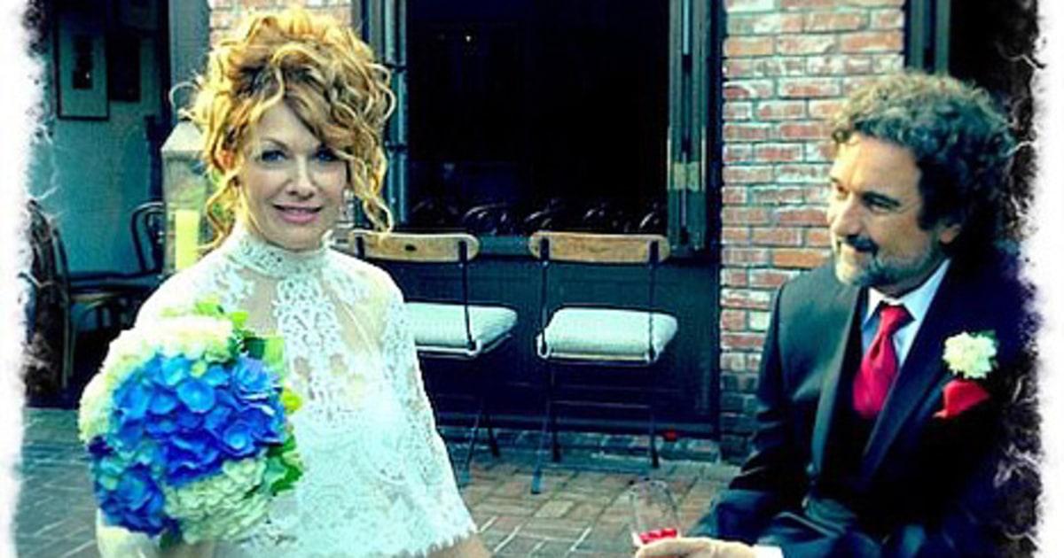 Heart S Nancy Wilson Is Married See Her Dress Us Weekly