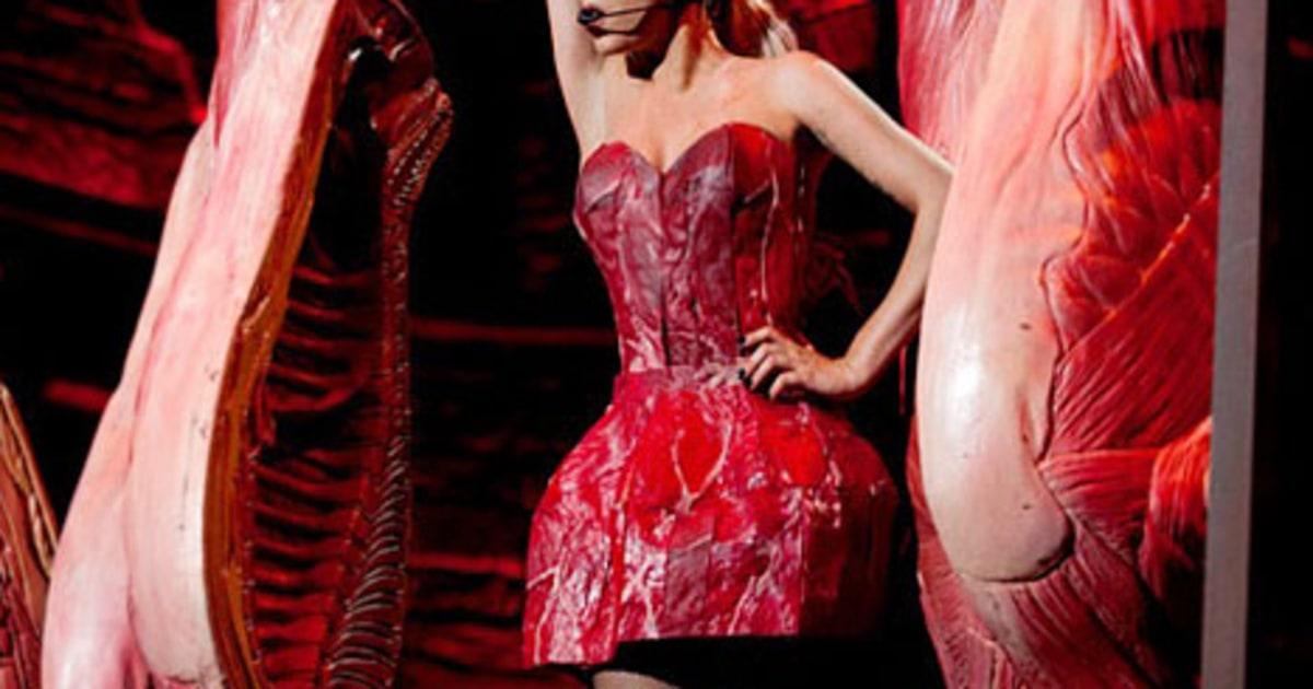 Lady gaga marry the night live grammy awards 2012 american idol ellen x factor americas got talent - 3 7