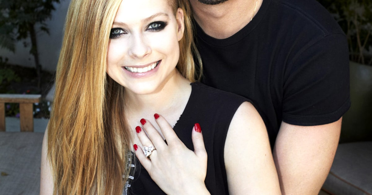 Avril Lavigne and Chad Kroeger | 2012's Celebrity ... Avril Lavigne And Chad Kroeger Engagement Ring