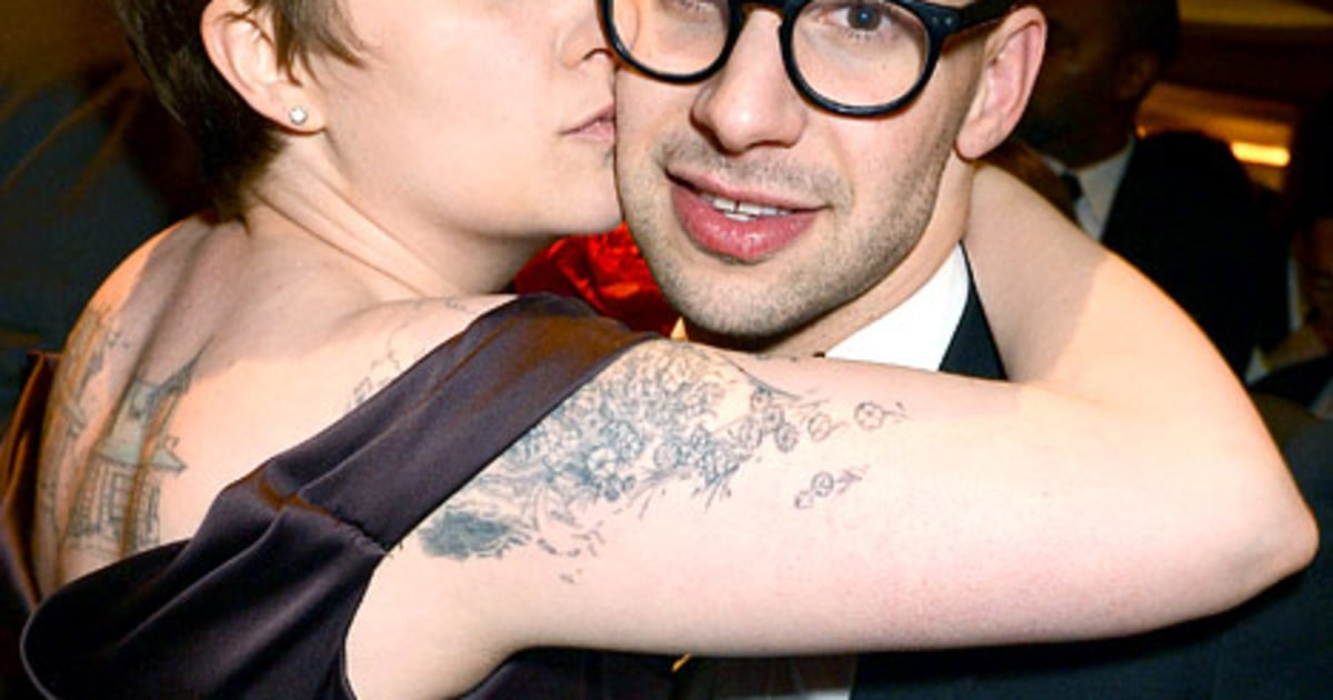 how did lena dunham meet jack antonoff twitter