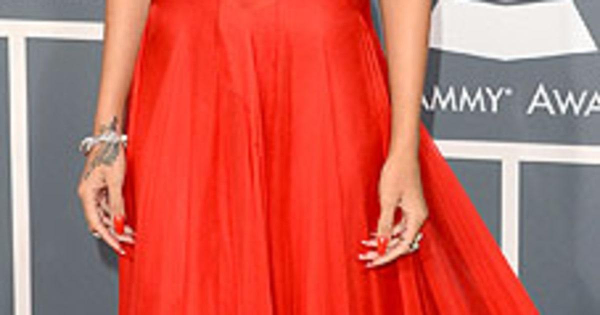 Grammys: Rihanna At The 2013 Grammy Awards
