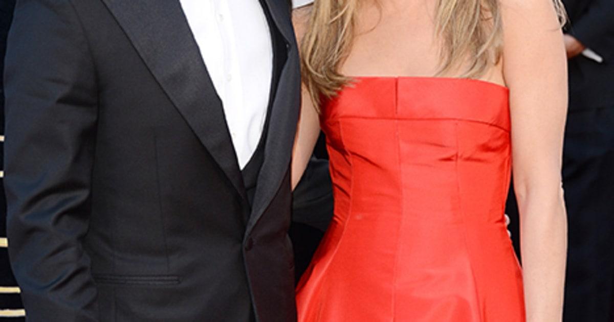 Jennifer Aniston Fiance Justin Theroux Walk Oscar Red