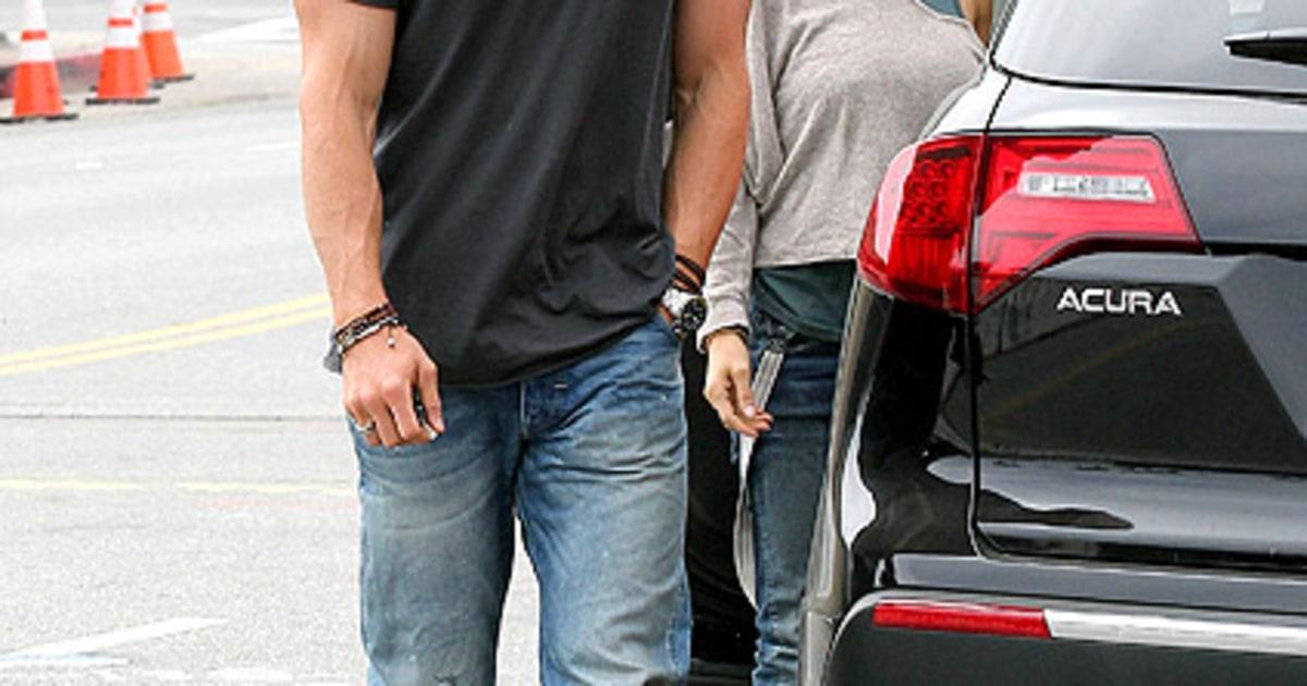 Chris Hemsworth, Elsa Pataky: Where's Your Bro?