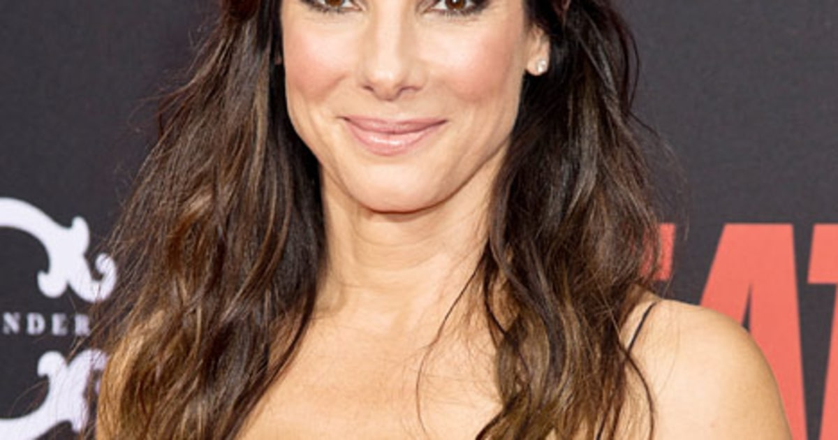 bullock single girls Things may be heating up between sandra bullock and chris evans the two hollywood stars are reportedly more than friends these days, according to sources.