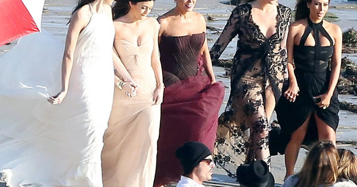 Kim Kardashian And Family Sexy Photoshoot Khloe Jenners