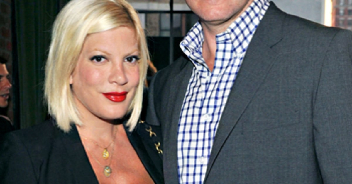 Tori Spelling Quot Waffling Quot About Reconciling With Dean
