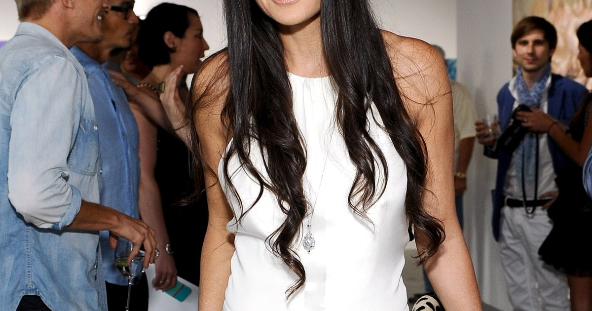 sean friday dating demi moore Where does she live and what does demi moore own,  and how rich is the girlfriend of sean friday in terms of  gimme moore: love life: boyfriend: sean friday.