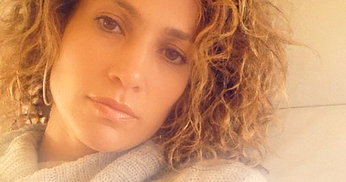 Jennifer Lopez S Natural Hair Is Curly See A Picture Us