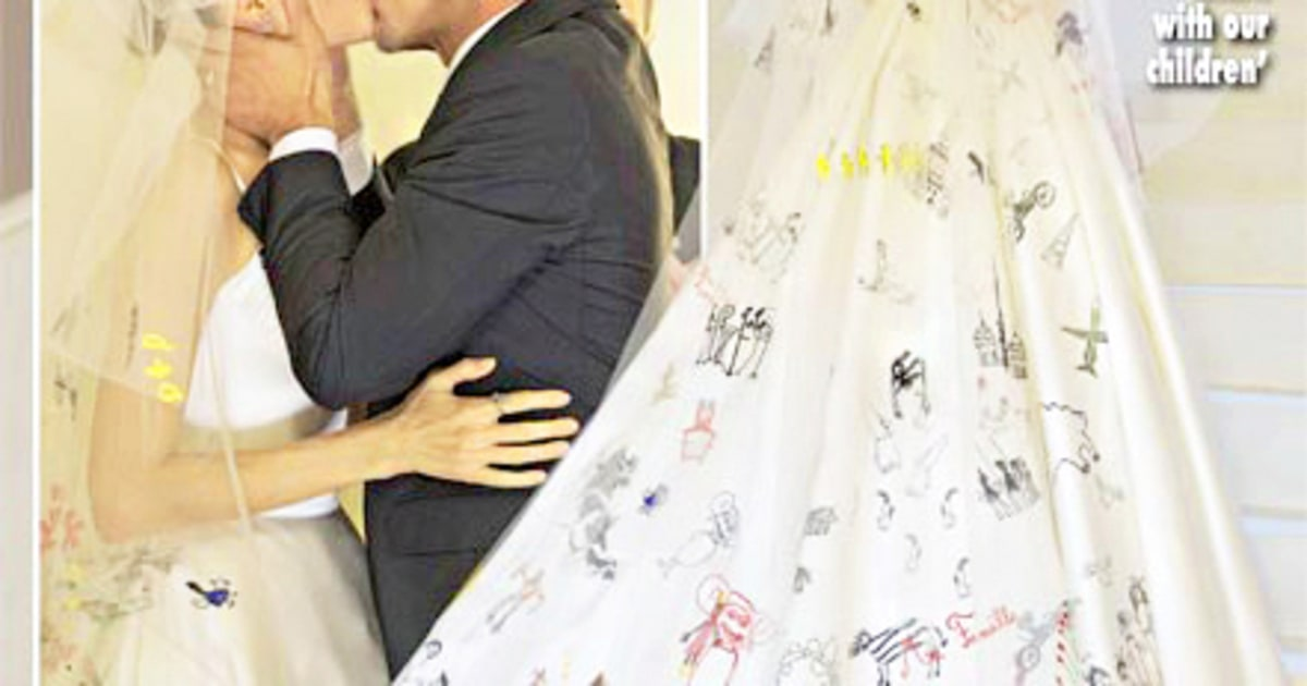 Donatella Versace Designed Angelina Jolie S Wedding Dress