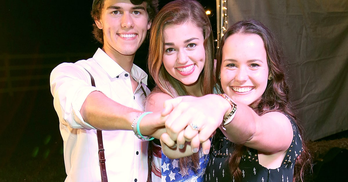 Image result for sadie robertson mary kate robertson