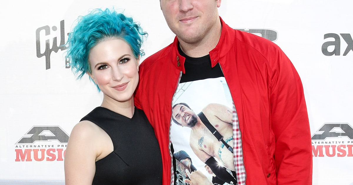 is hayley williams dating chad gilbert