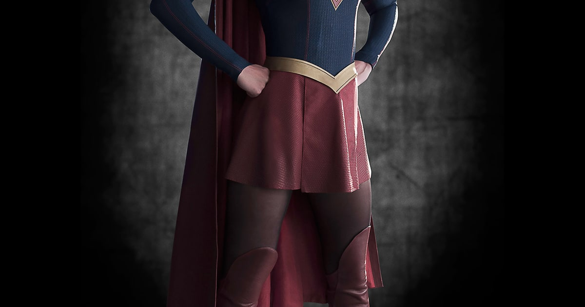 Supergirl TV Series Photos Melissa Benoist Gets Her Cape In First Pic Us Weekly