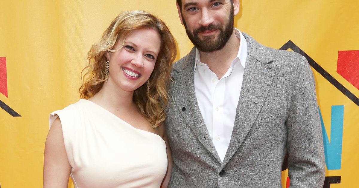 Arrow S Colin Donnell Marries Patti Murin Does