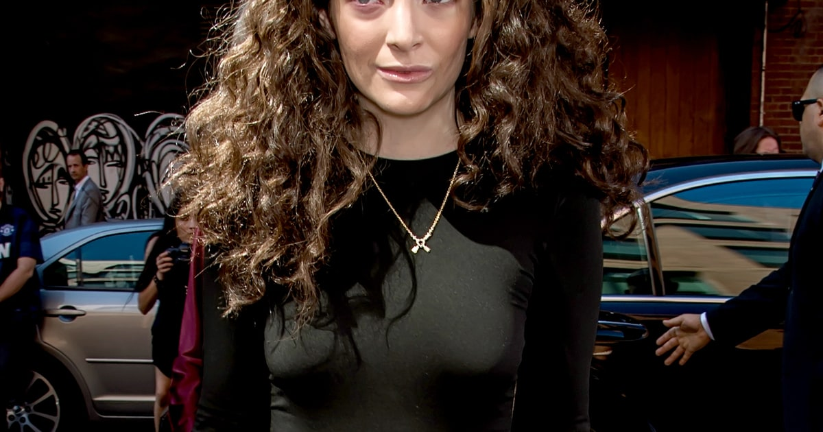 Lorde Shares Photo Of Quot Weeping And Screaming Quot Purple Eye