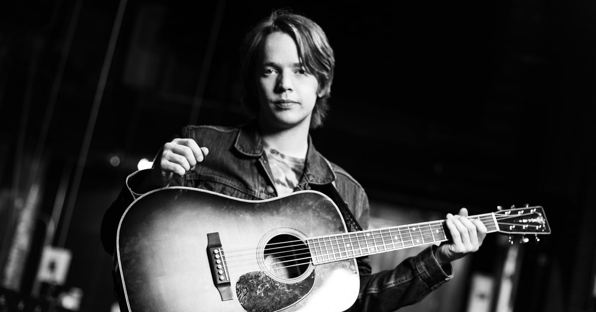 Bluegrass Prodigy Billy Strings Plots 2018 Spring Tour