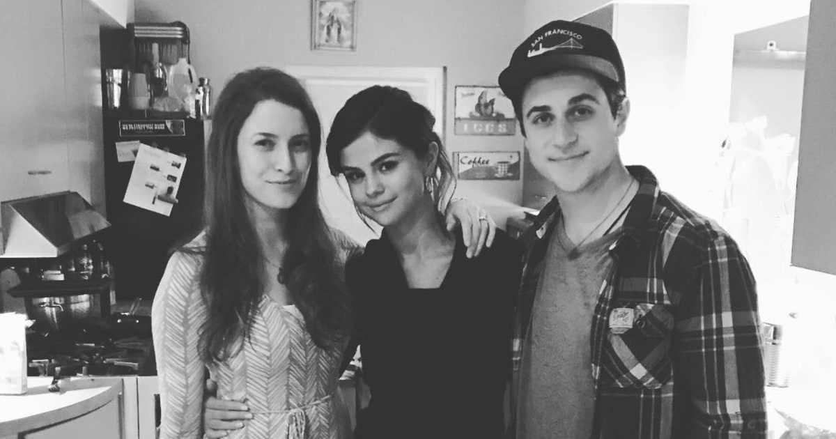 Selena Gomez Reunites With David Henrie in First Instagram Story