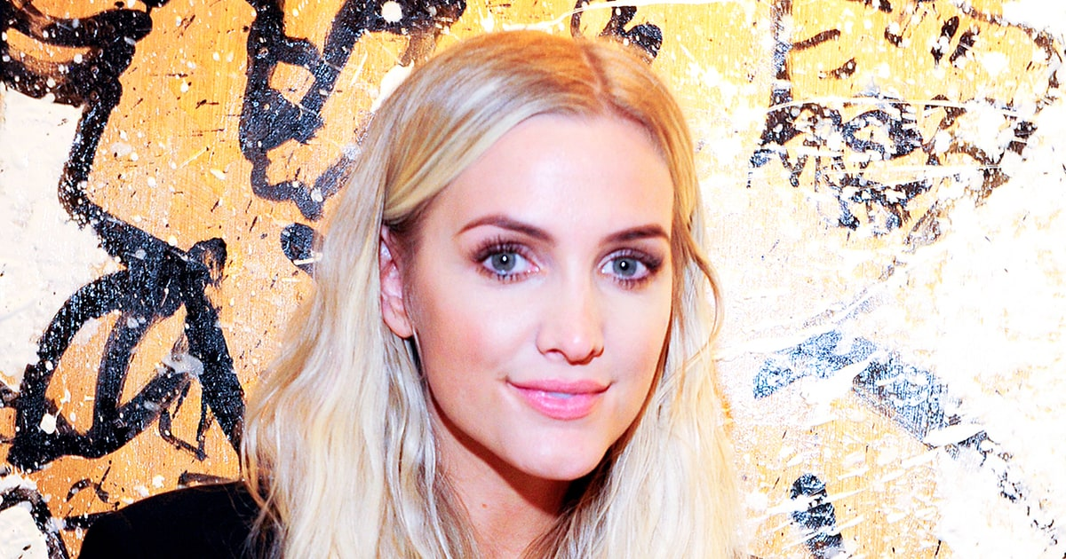 Ashlee Simpson Promises New Music in 2017 - Us Weekly