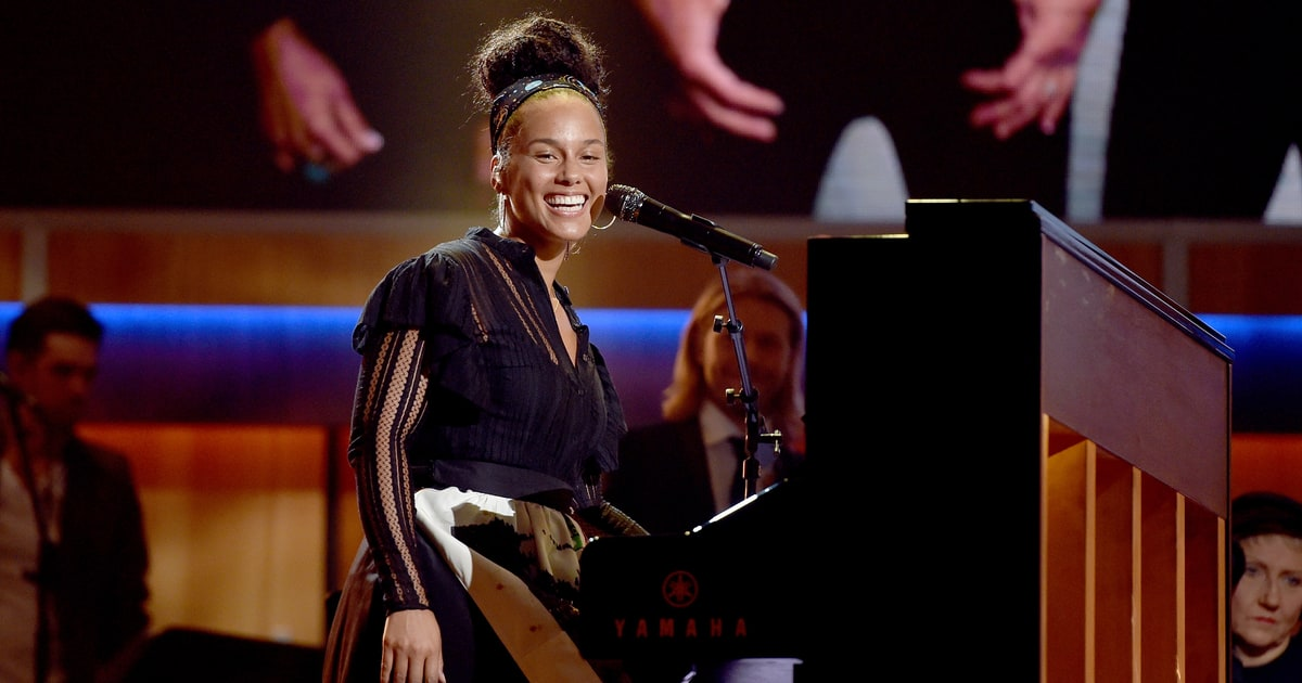 Miley Cyrus, Alicia Keys, Adam Levine and Blake Shelton Dream On music videos 2016