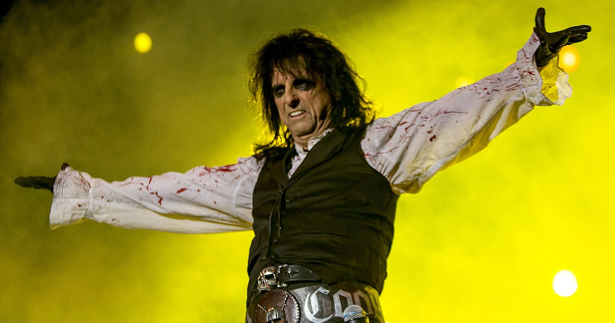 review alice cooper 39 s 39 paranormal 39 rolling stone. Black Bedroom Furniture Sets. Home Design Ideas